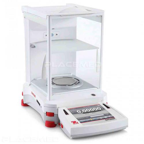 Balance de laboratoire de précision EXPLORER® Semi-Micro