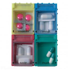 Pilulier en boites à clapets